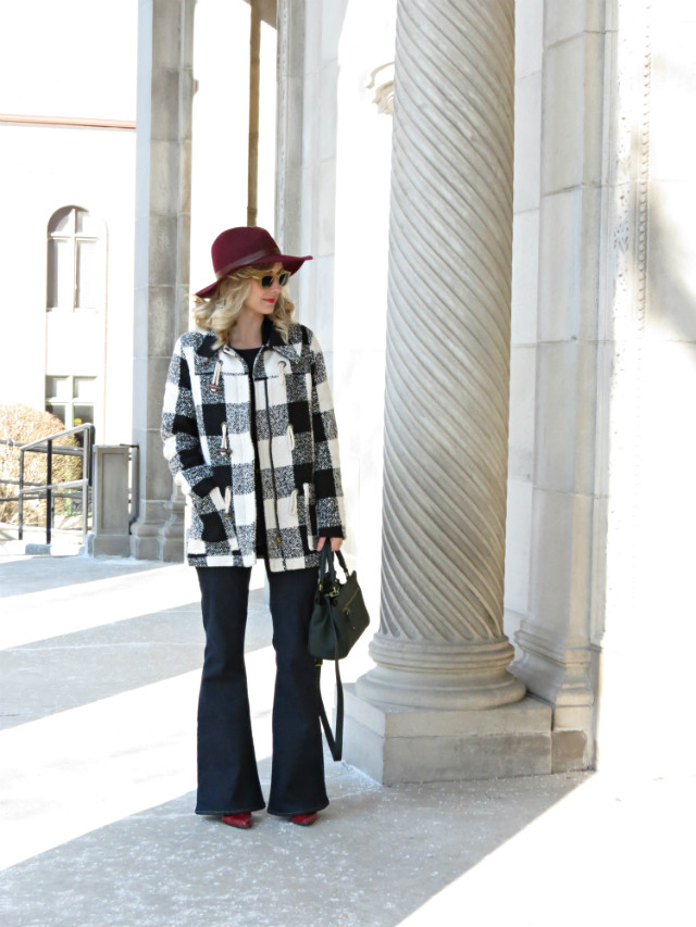 Madewell flared jeans, felt fedora, statement tee with blazer